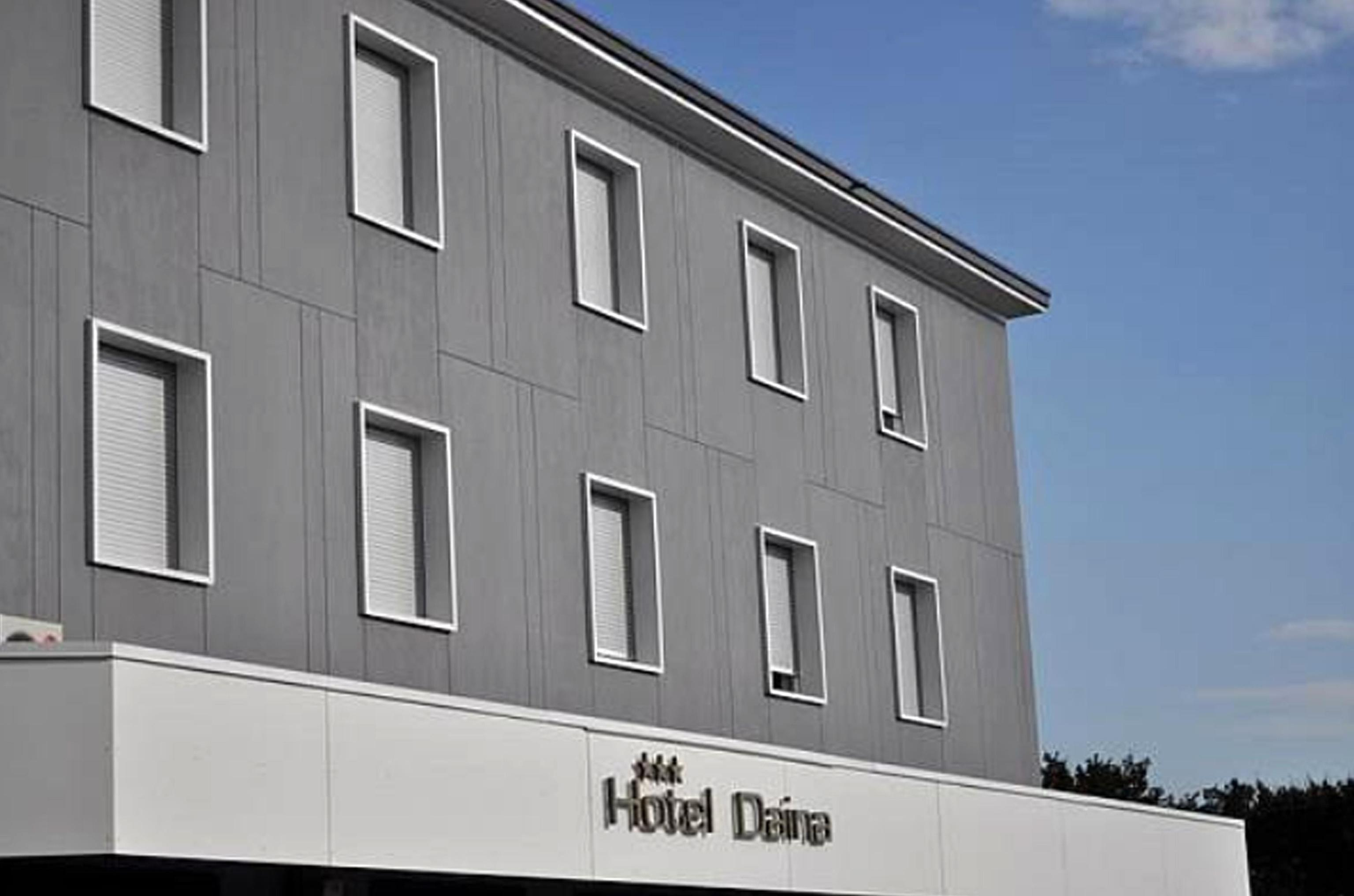Uccisa in hotel: killer si costituisce