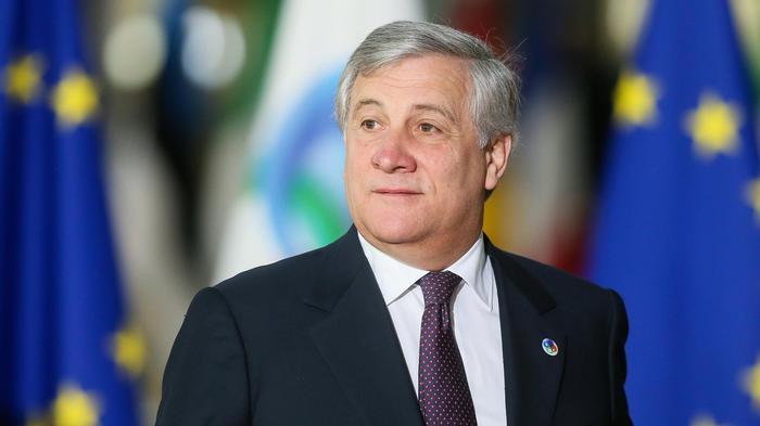 Tajani: 'Moscovici non parla  a nome dell'Europa'