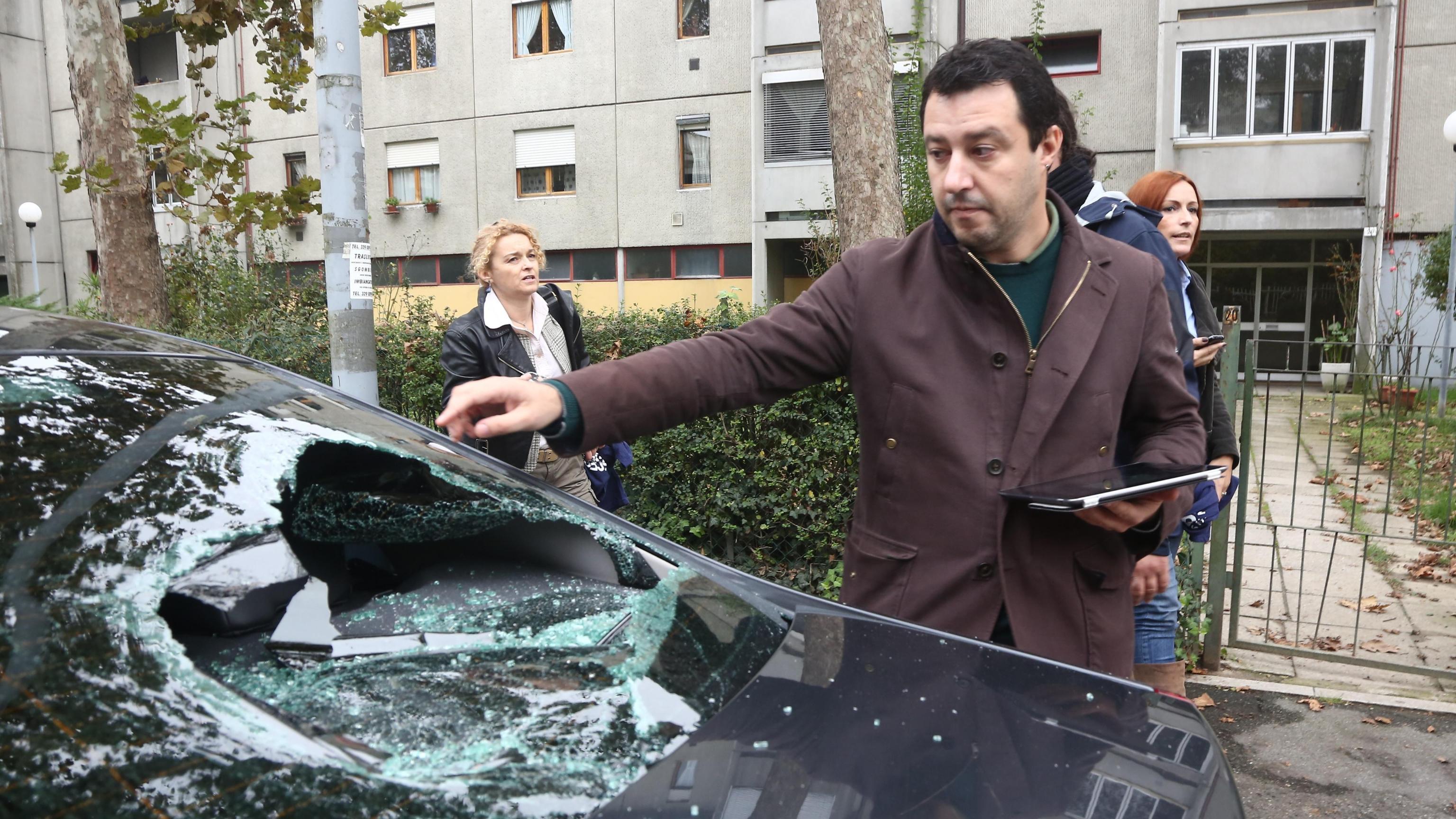 Assalto auto Salvini, archiviato autista