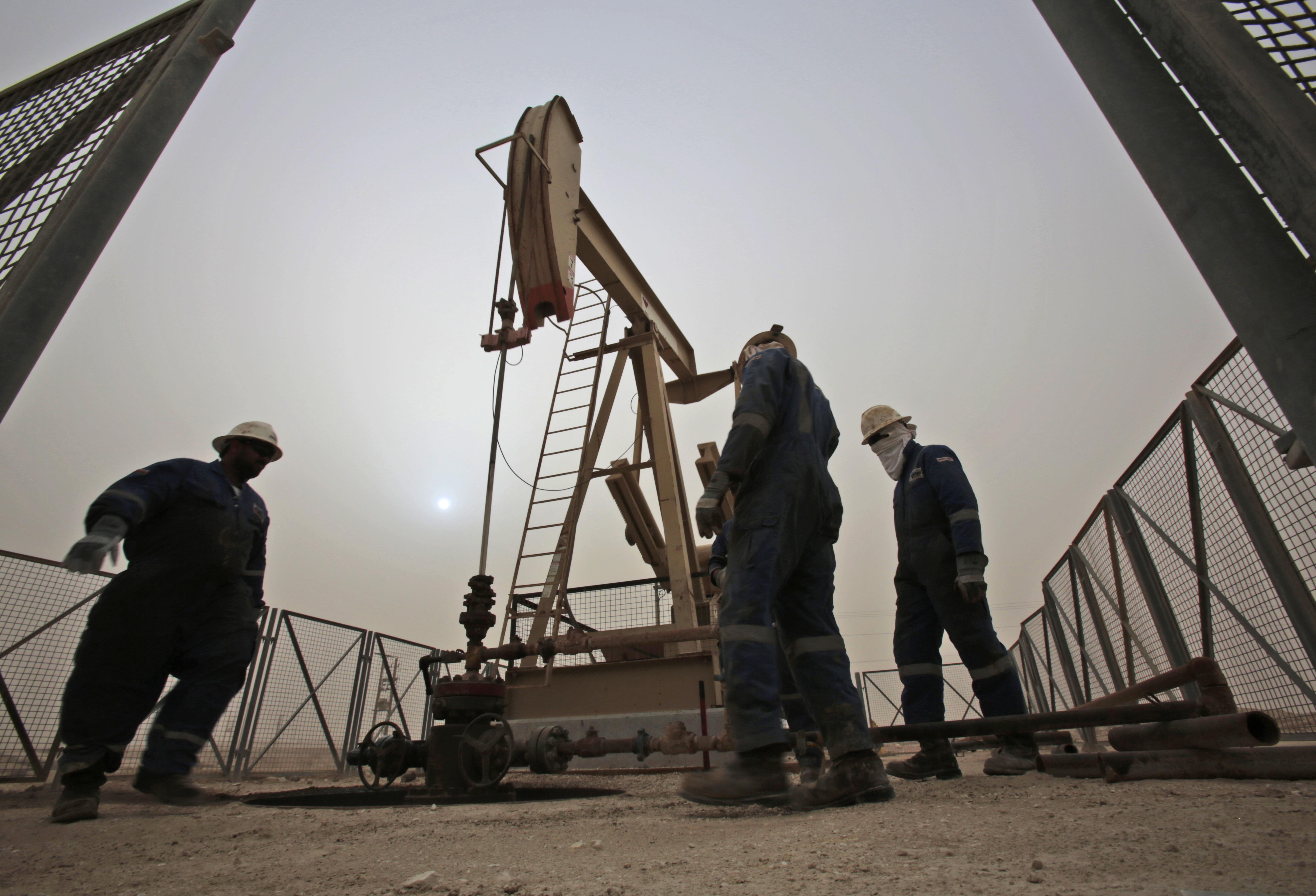 Petrolio: in calo a 63,31 dollari