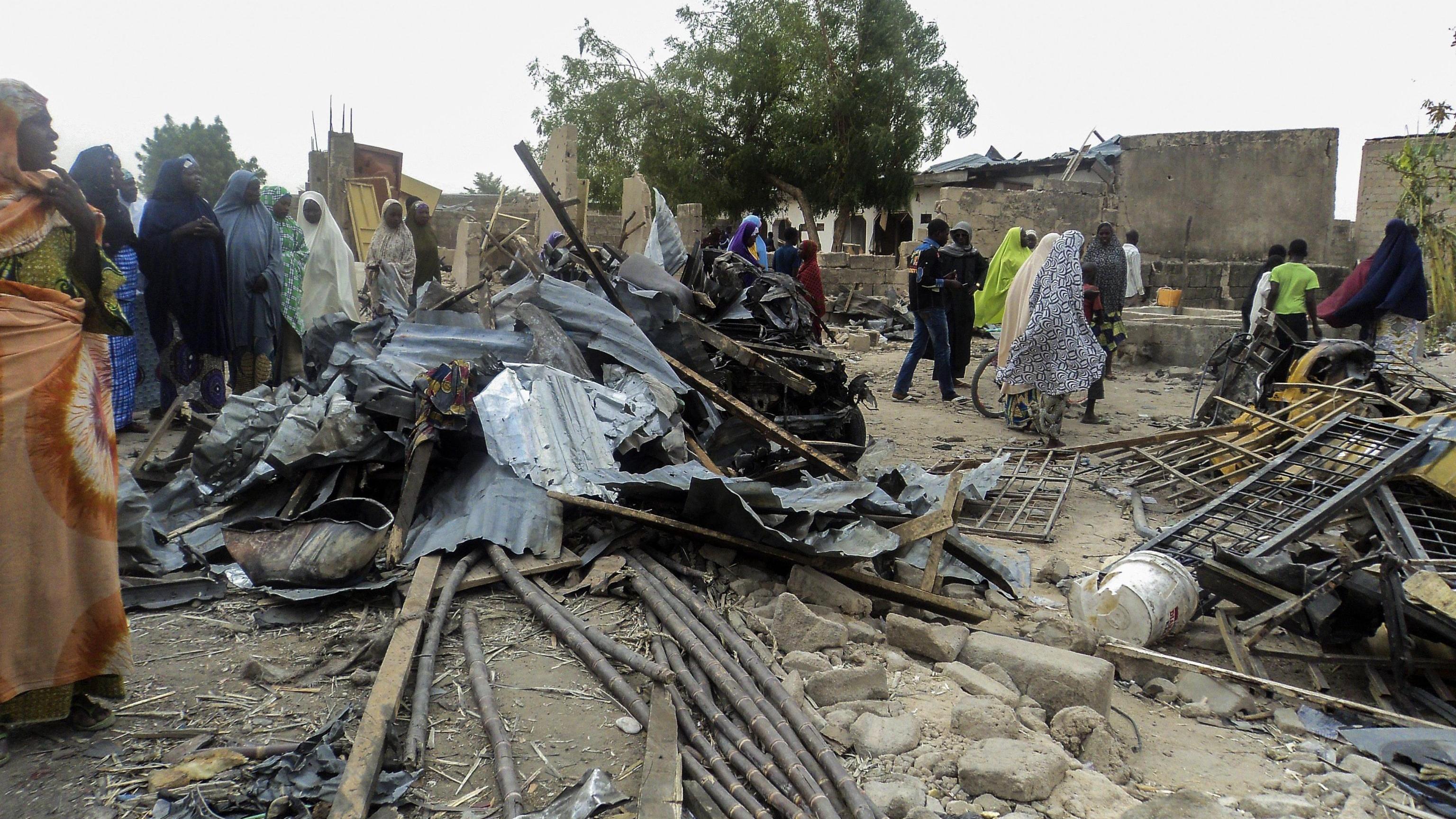 Nigeria: doppio attentato, 12 morti