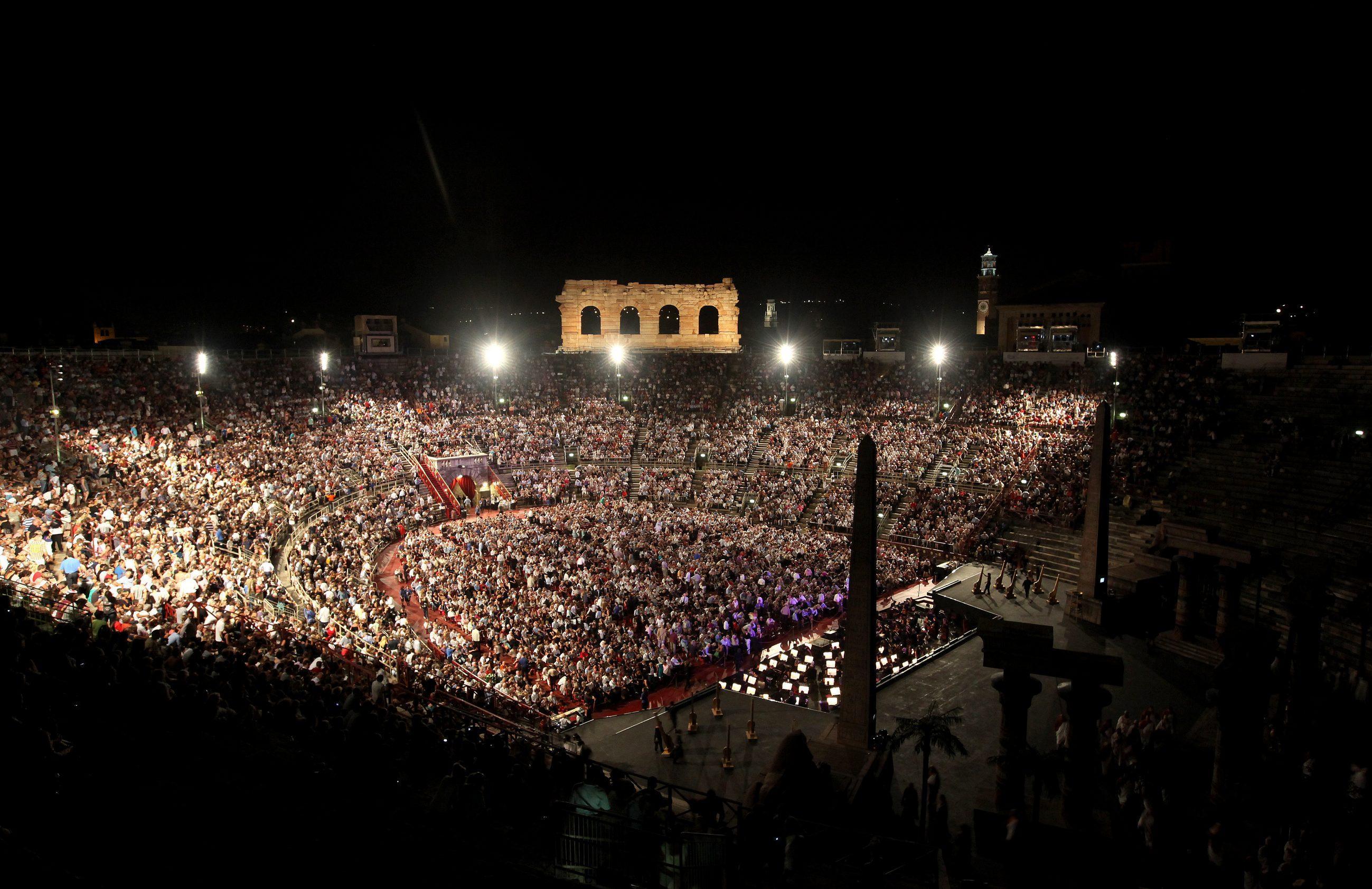 Arena Verona, Tosi attacca Sboarina