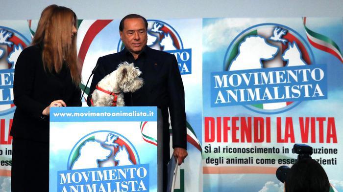 Berlusconi: 'In campo come nel '94 contro il pericolo M5s'