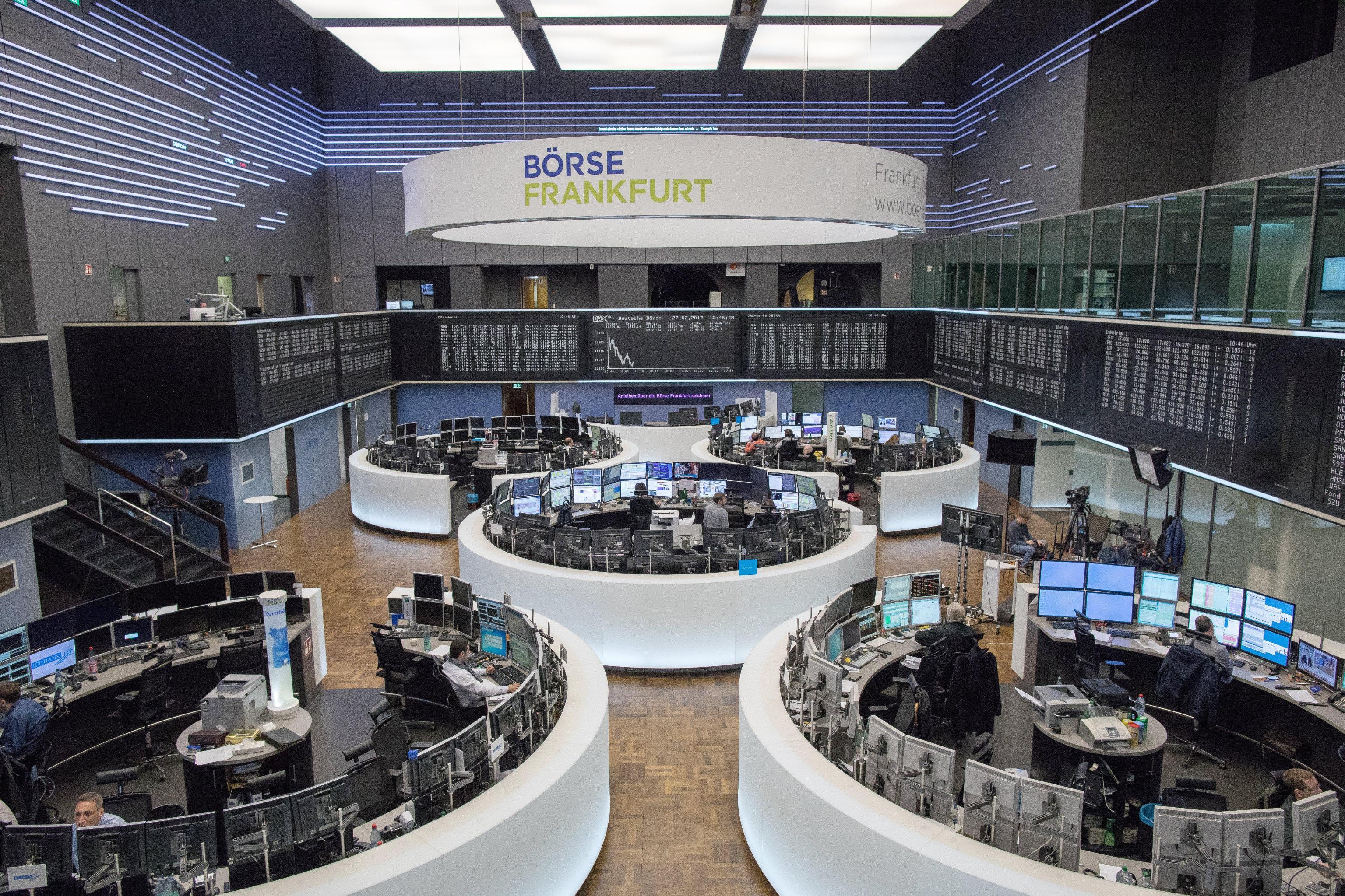 Borsa: Europa, Parigi +1,55% in chiusura