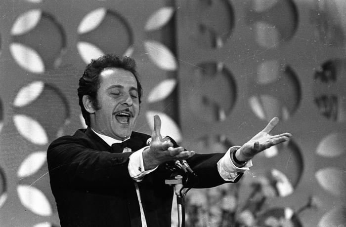 Domenico Modugno, 90 anni fa nasceva Mr. Volare