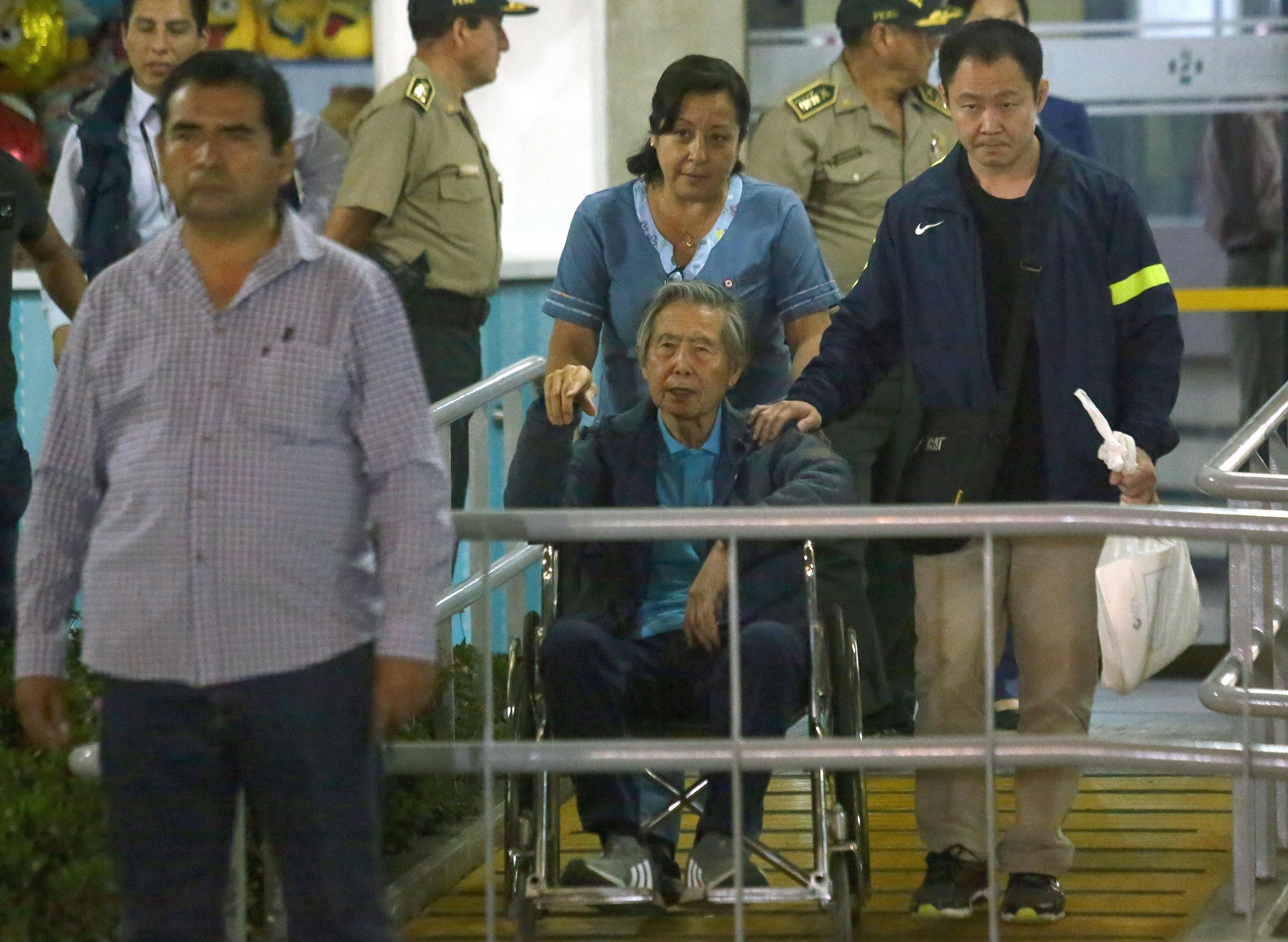 Perù: Fujimori lascia la clinica