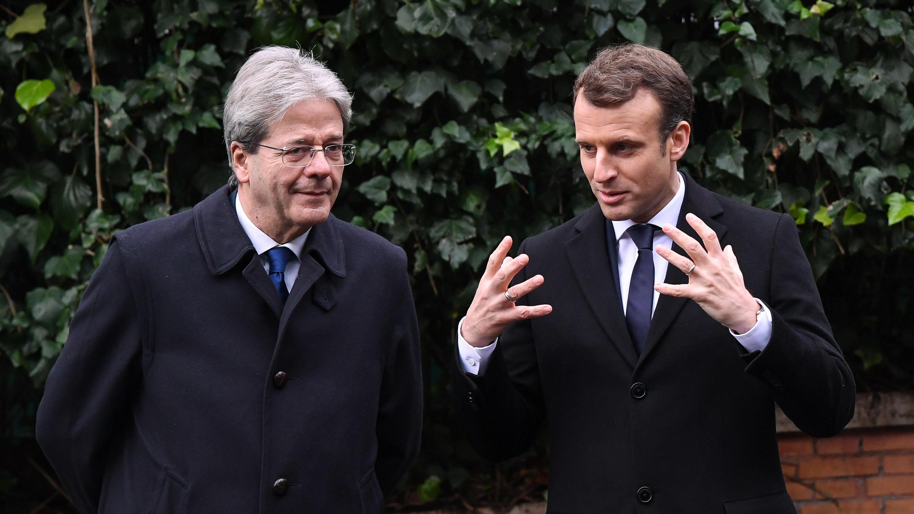 Macron, ottimo lavoro Italia su migranti
