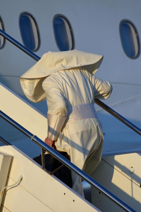 Il papa arrivato in Cile. Francesco teme guerra atomica