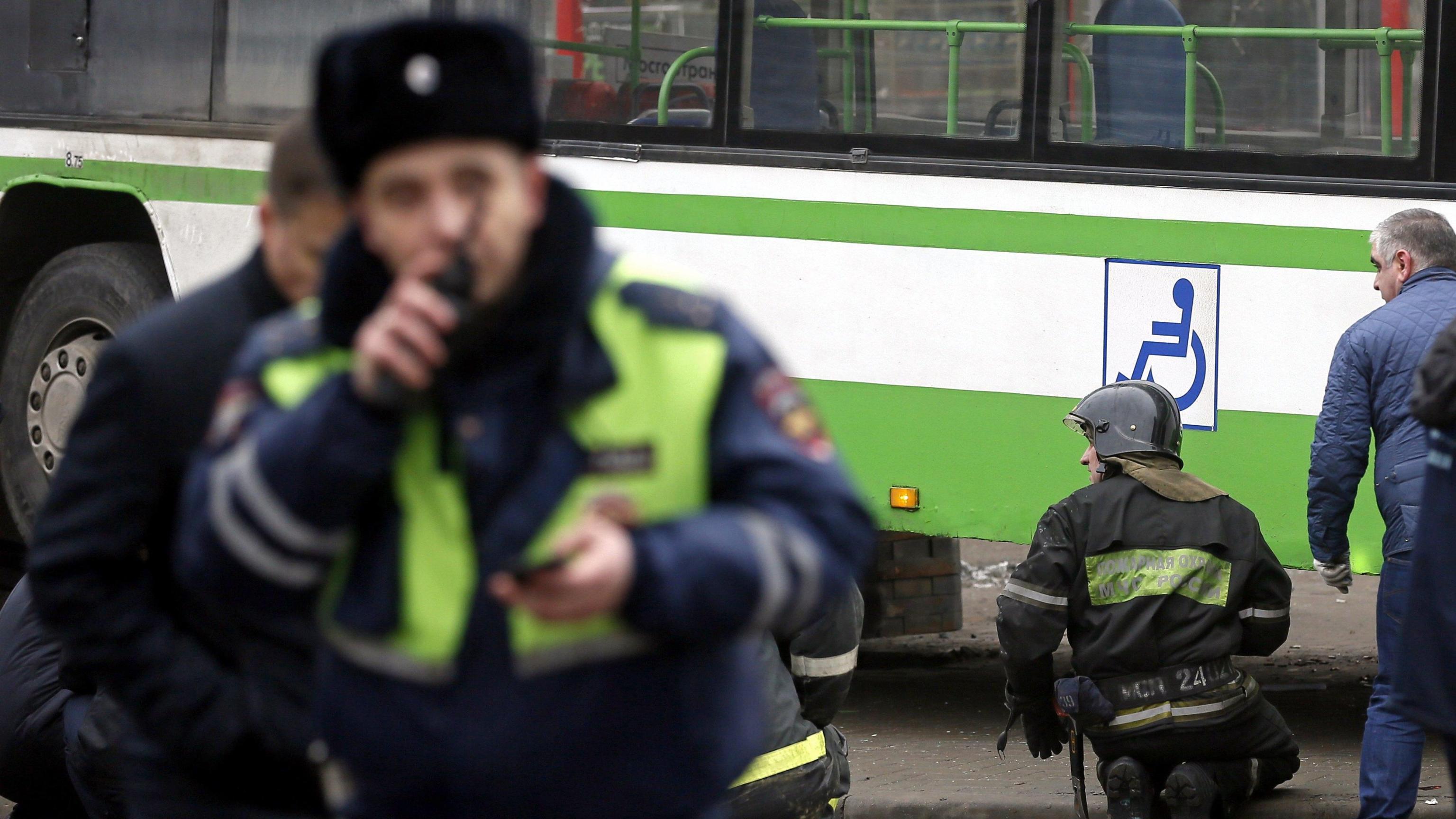 Russia: ragazzo attacca scuola con ascia