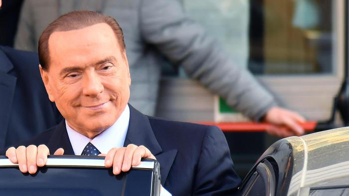 Berlusconi come nel '94: 'Via tasse casa, auto, successioni'