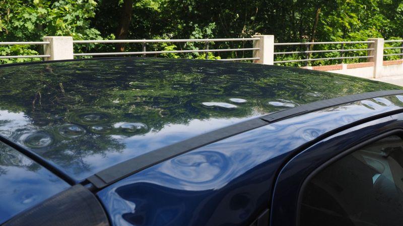 Auto danneggiata dalla grandine