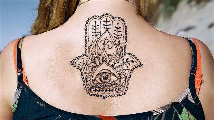 Mano Di Fatima Significato Del Tatuaggio Paginegialle Magazine