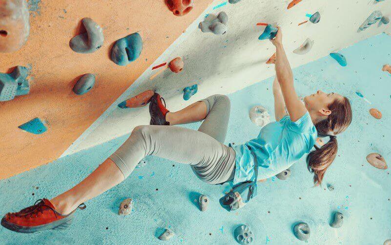 cos'è e come si pratica l'arrampicata boulder