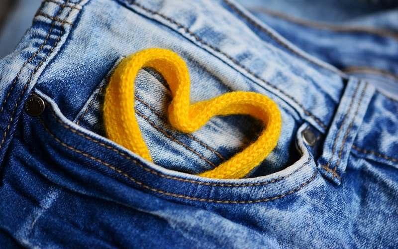 Ufficio Fai Da Te Jeans : Salopette di jeans: capo must anche per lautunno! paginegialle