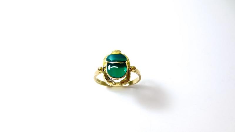 L'anello con lo smeraldo, perfetto per il fidanzamento
