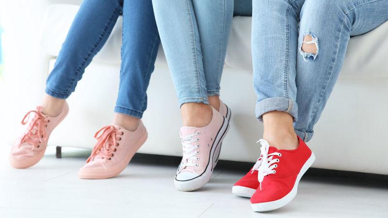 eleganti anche con le scarpe basse da donna