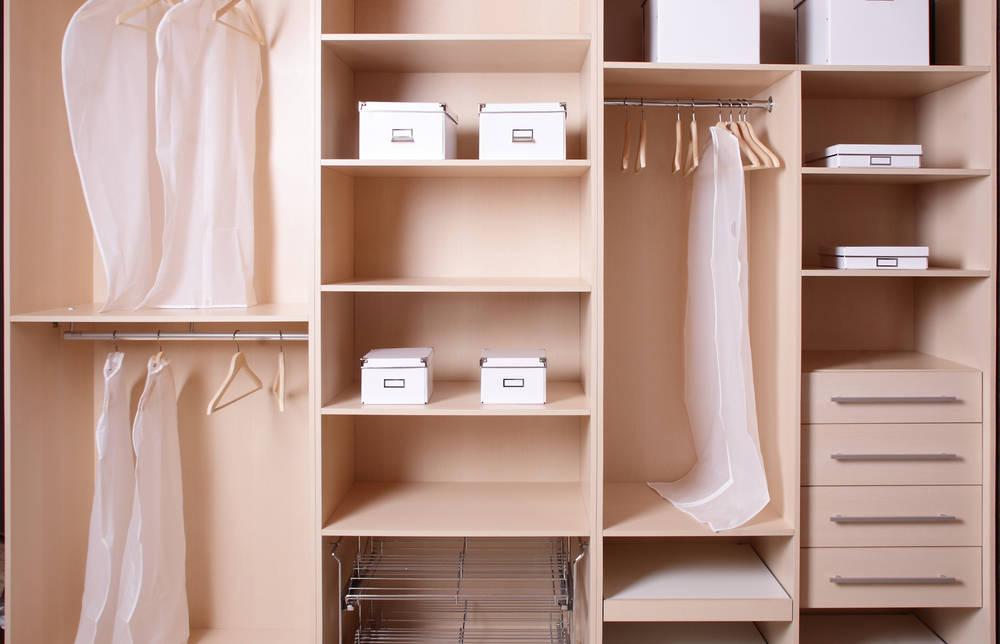 Armadio in legno su misura una scelta per l arredamento della casa