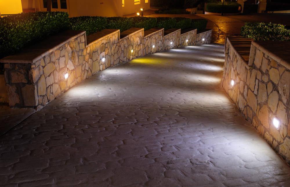 Luci led per illuminazione giardino giardini verdi