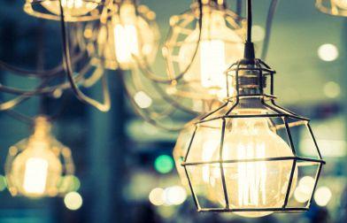 Lampade da terra di design: idee da copiare per creare atmosfera