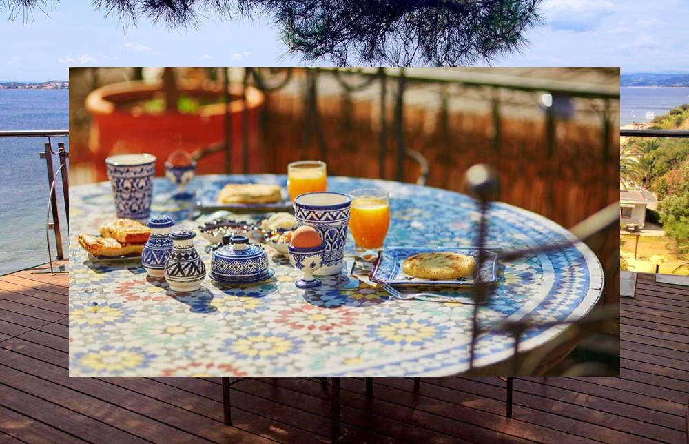 Tavoli Da Giardino Risparmio Casa : Tavoli in ferro battuto con piano in ceramica o mosaico