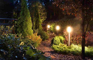 Illuminare il giardino: idee e soluzioni