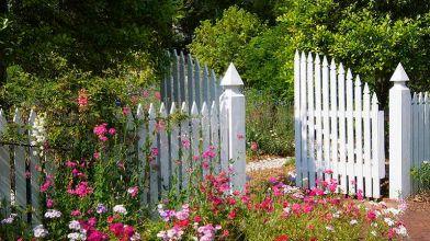 Steccato Per Giardino In Pvc : Recinzioni da giardino: guida alla scelta