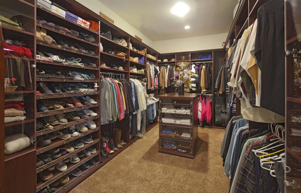 Cabina Armadio Vip : Guida alla scelta tra armadio guardaroba o cabina armadio
