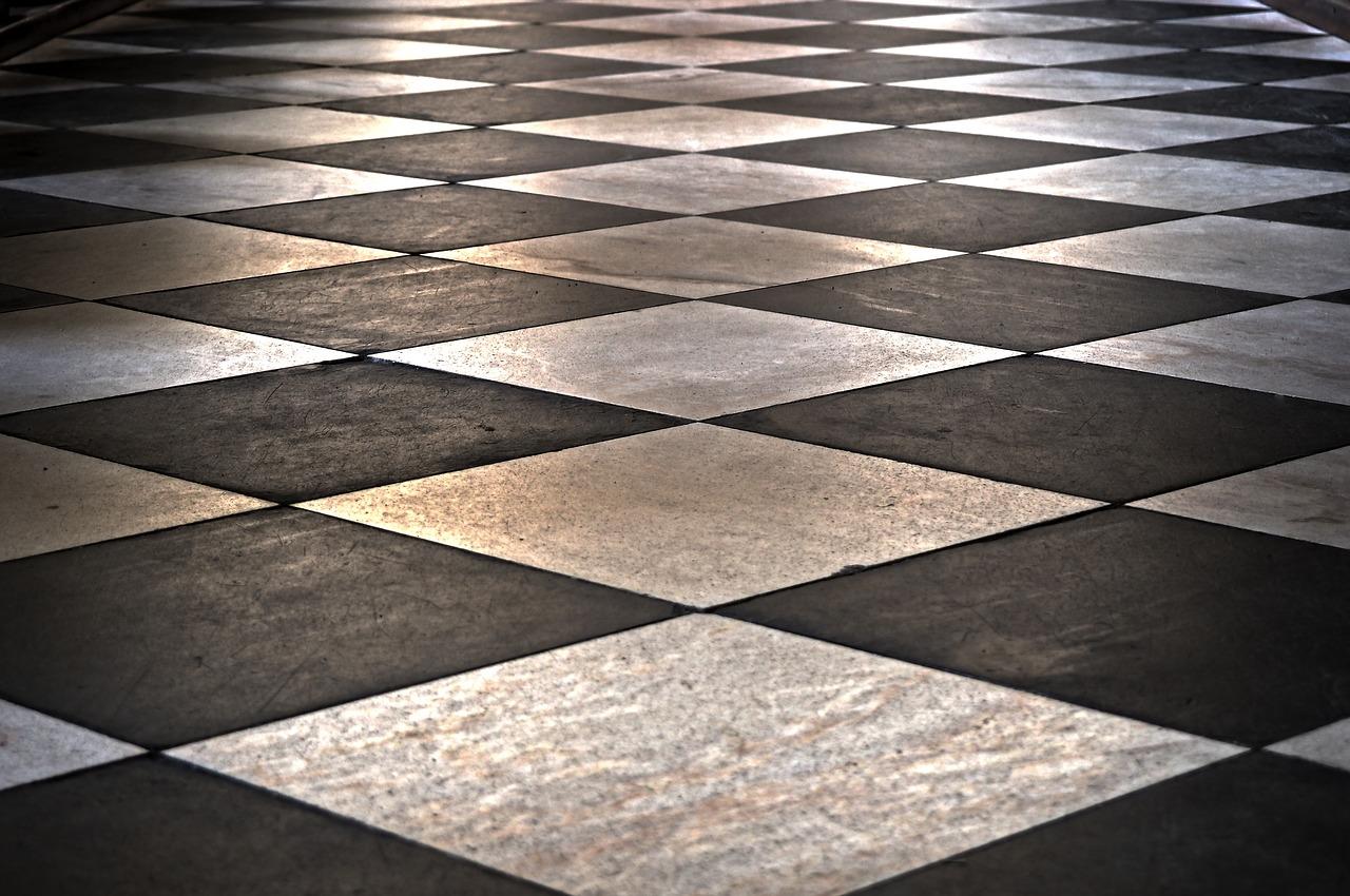 Come pulire e sbiancare le fughe del pavimento senza fatica