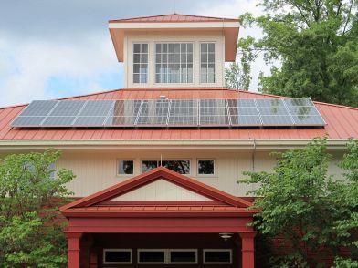 Con dei pannelli solari termodinamici puoi risparmiare sulla produzione di acqua  calda sanitaria. Ecco i prezzi chiavi in mano di un piccolo impianto! e0bcdd66fdd