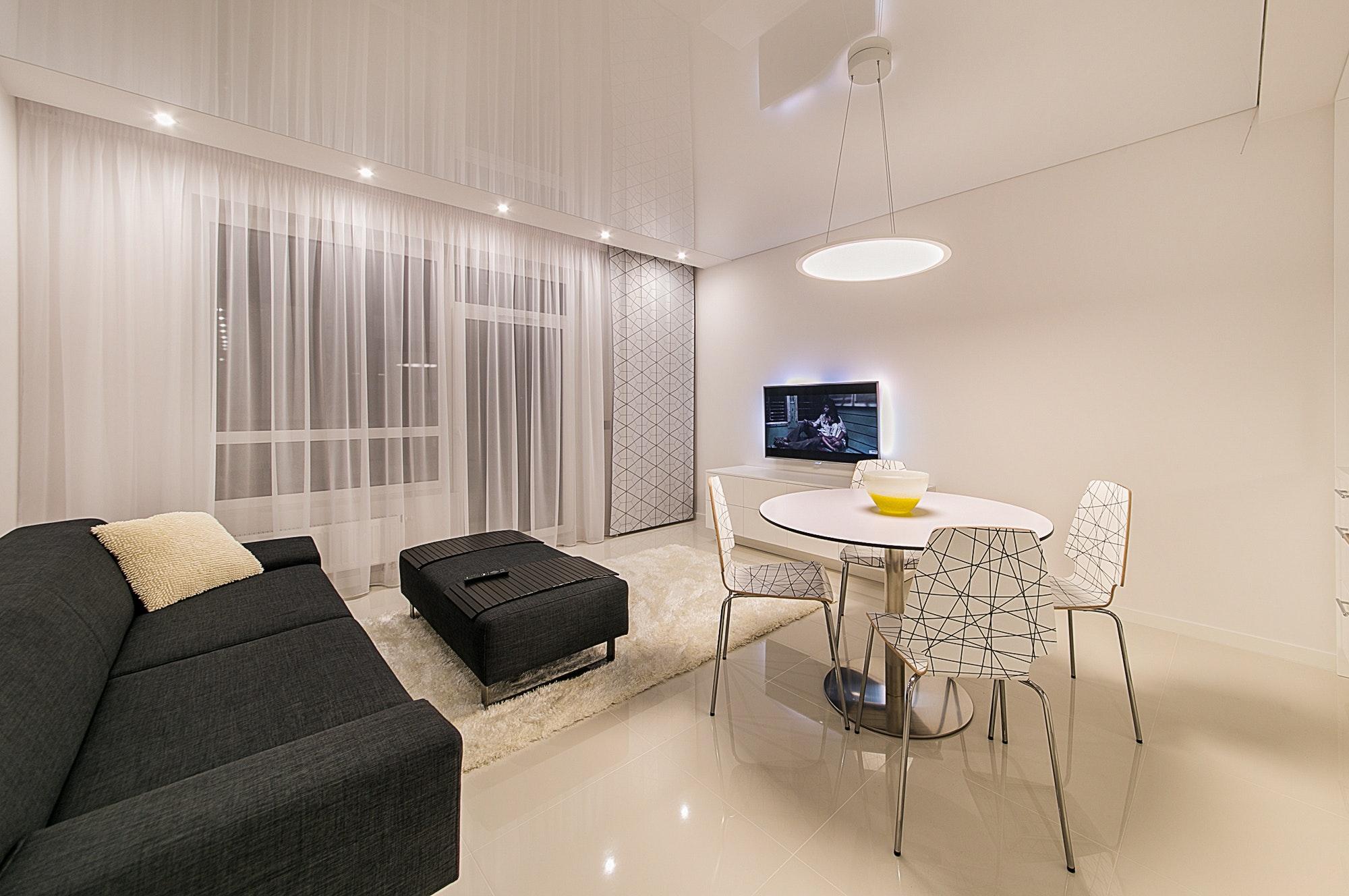 Come appendere la TV al muro? Consigli pratici