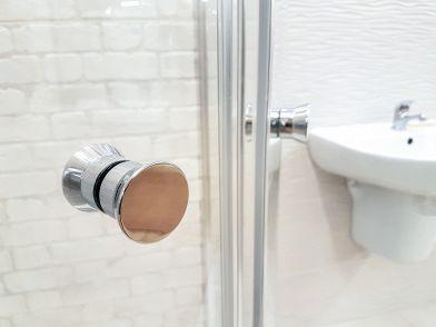 Cabine Doccia Cristallo : Box doccia in cristallo: pro e contro di questo materiale