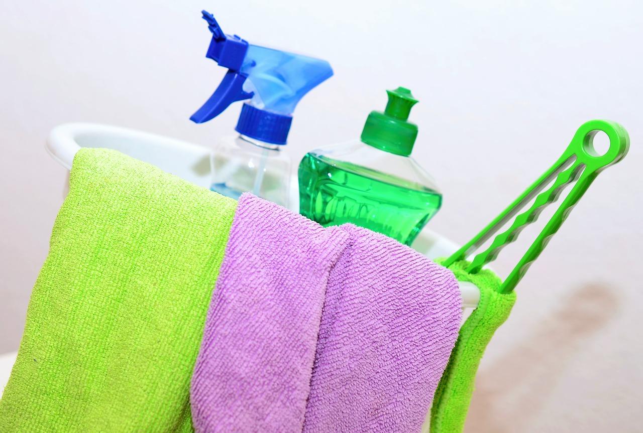 Come organizzare le pulizie di primavera in 10 step