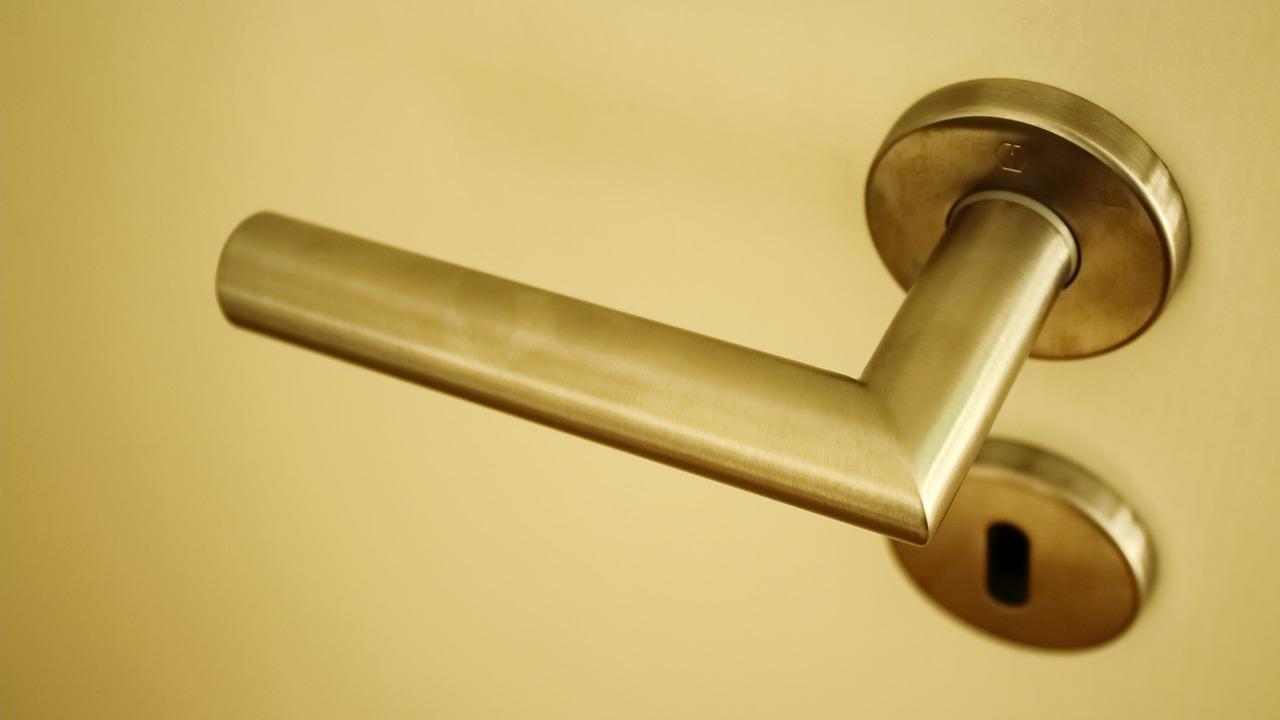 Porte insonorizzate per interni: caratteristiche e prezzi