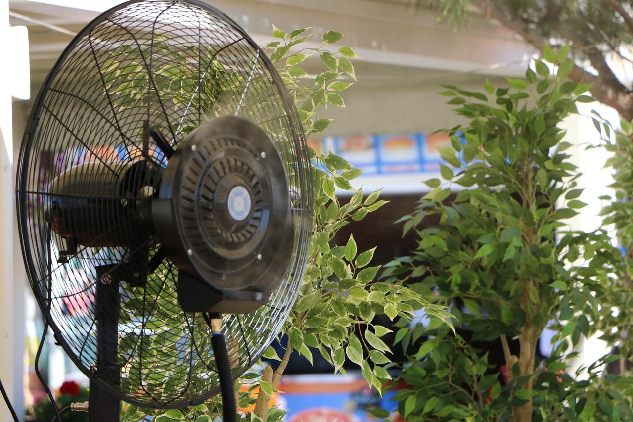Vantaggi e svantaggi di un ventilatore con nebulizzatore