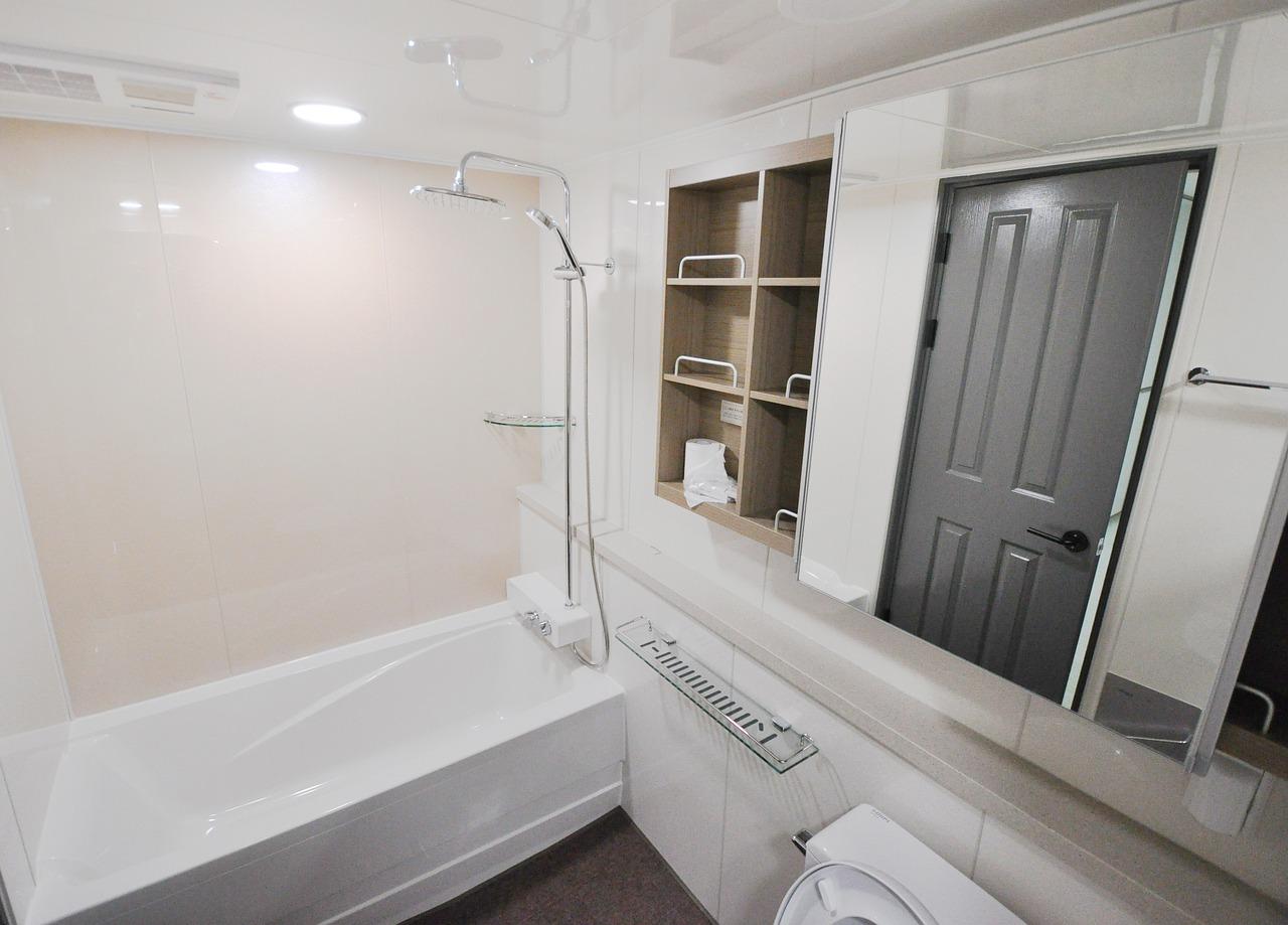 Come decorare e abbellire il bagno idee e consigli - Come abbellire un bagno ...