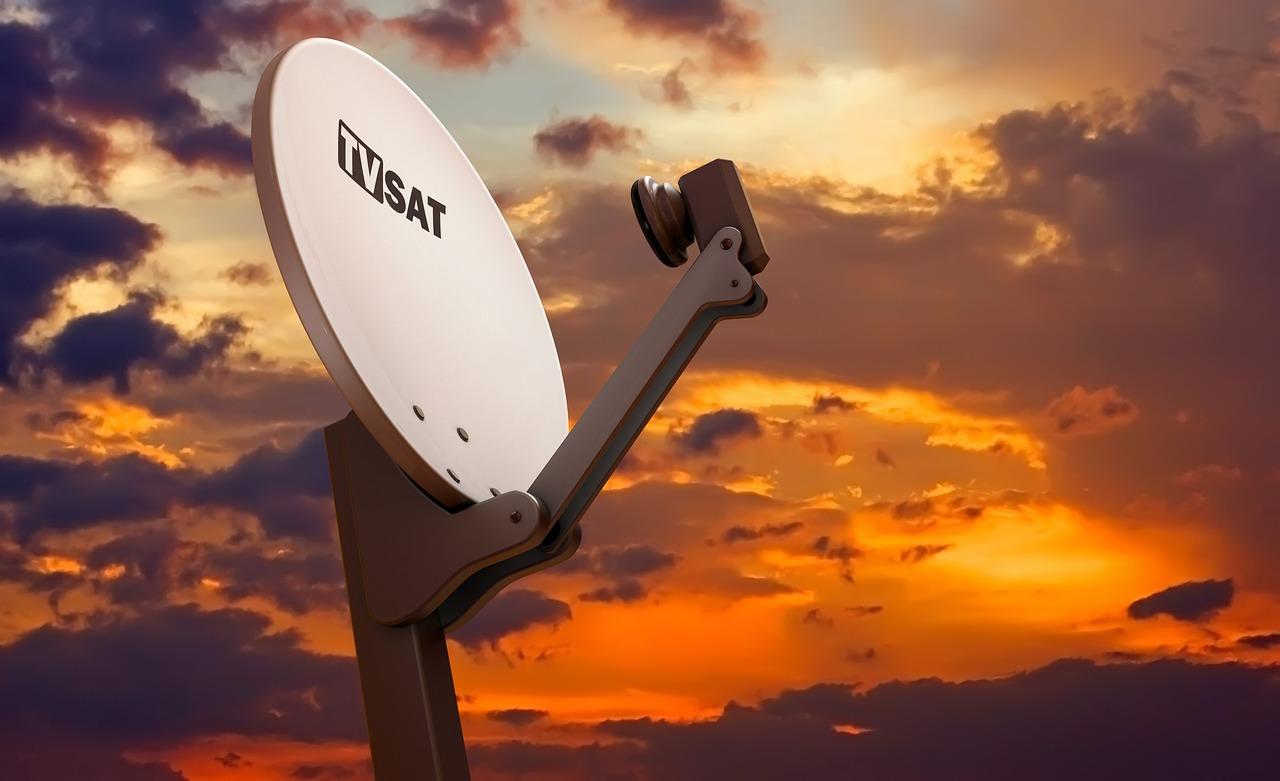 Antenna privata su tetto e facciata condominiale: normativa e permessi