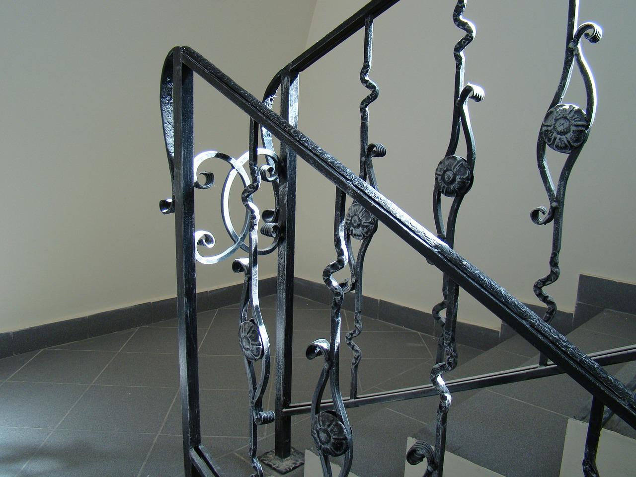 Ferro battuto bianco: tante idee per arredare con questo materiale