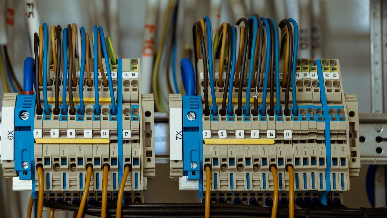 Impianto elettrico a norma: quanto costa e come deve essere fatto