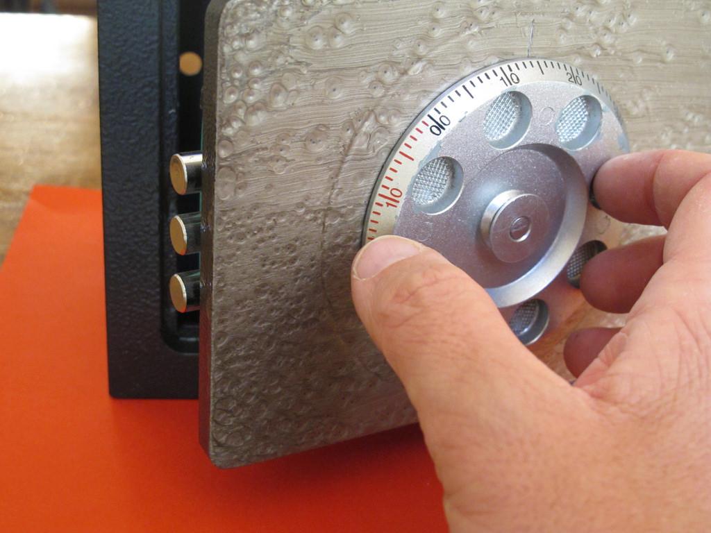 Cassaforte a combinazione: meccanica o digitale?