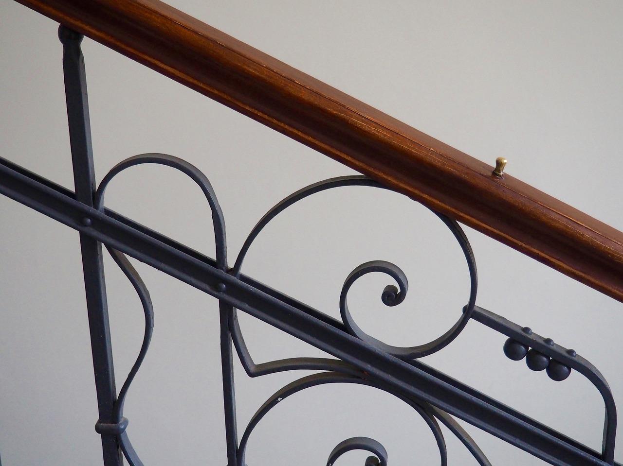 Ringhiere in ferro battuto per scale interne: tante idee da copiare