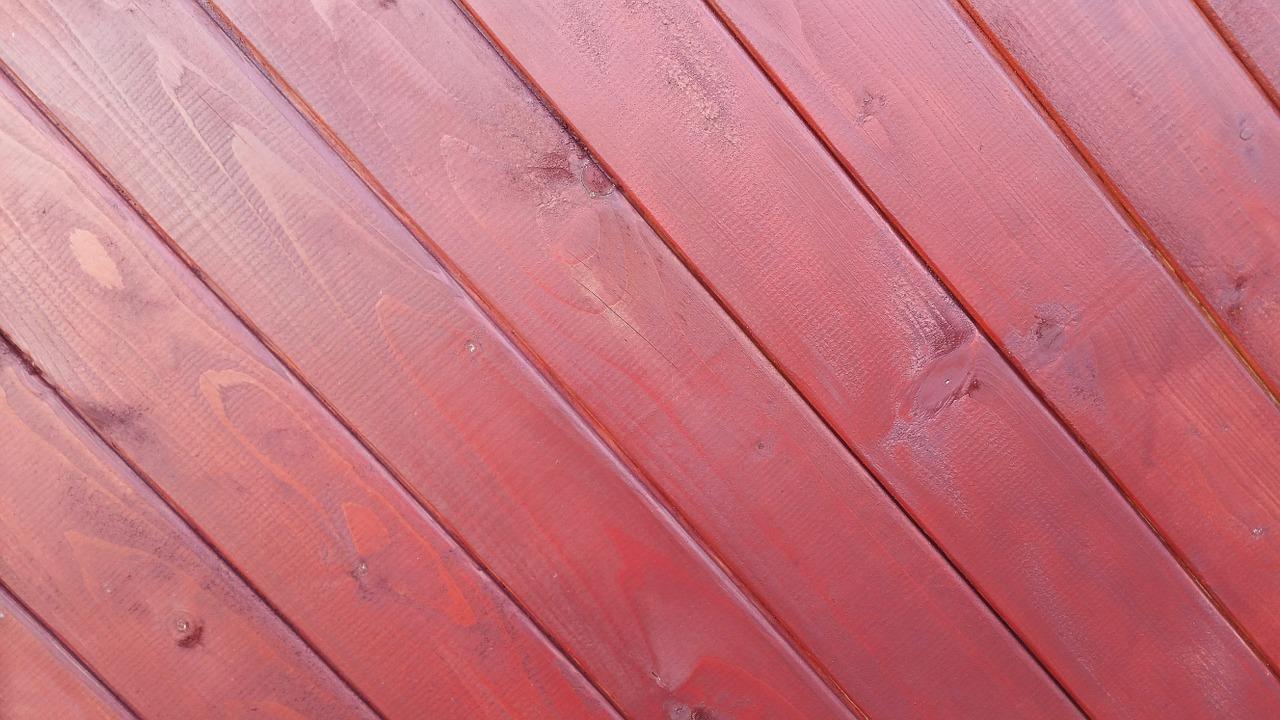 Porte in legno di ciliegio: come abbinarle a pareti e arredamento