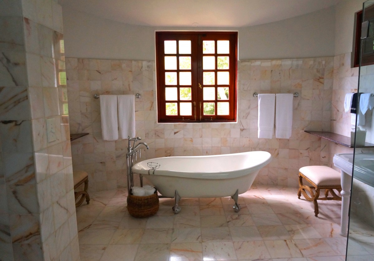Riempire La Vasca Da Bagno In Inglese : Come arredare il bagno in stile shabby chic