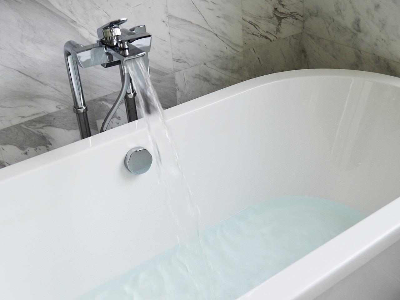 Vasca Da Bagno Misura Piccola : Vasca in acrilico nova
