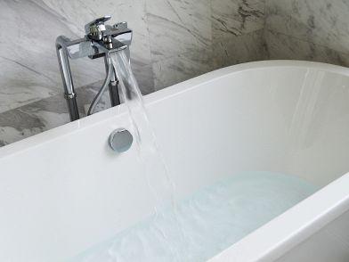 Copri Vasca Da Bagno Angolare : Vasche da bagno: tutto su modelli misure e prezzi