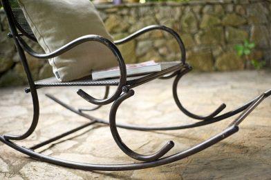 Dondolo Da Giardino In Ferro Battuto : Dondolo da giardino: tante idee per rendere i tuoi esterni favolosi