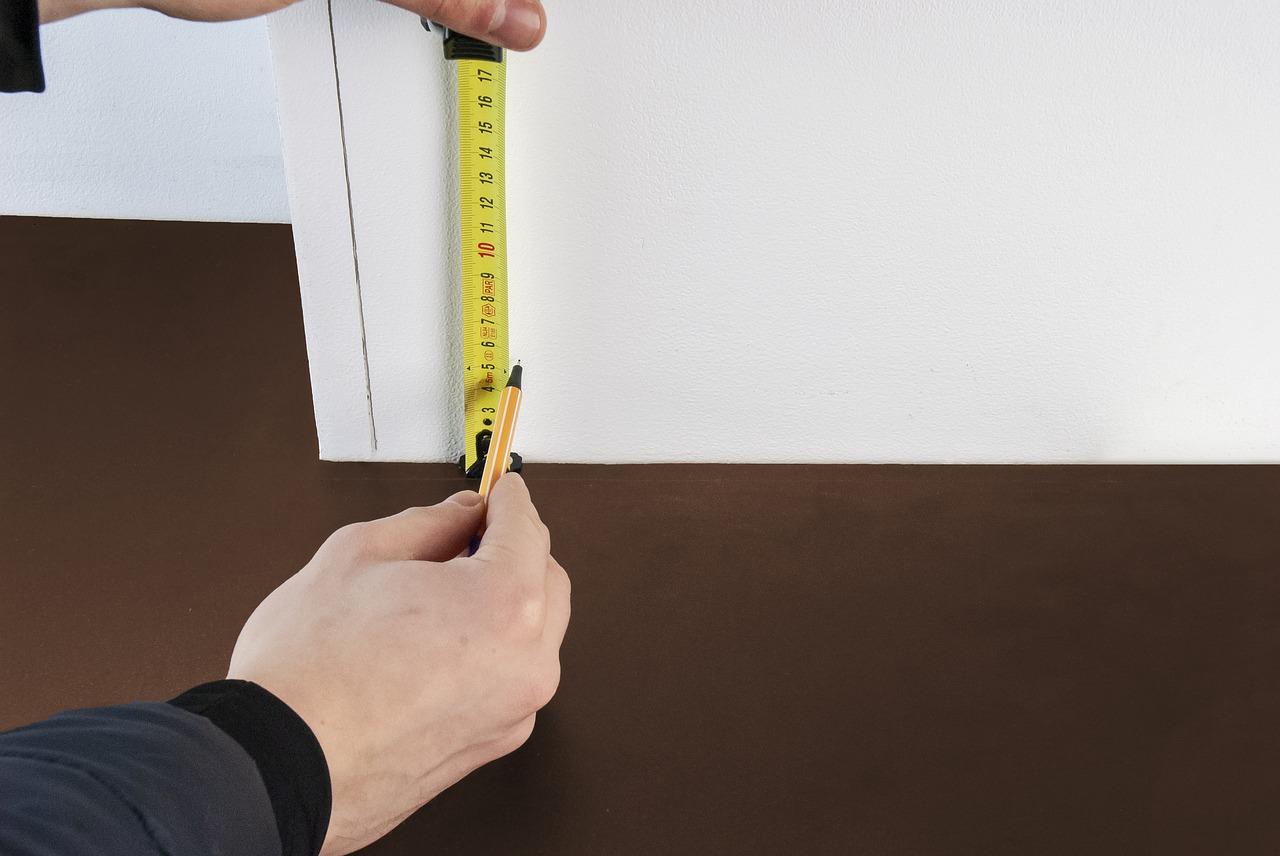 Quanto costa far realizzare degli zoccolini in legno su misura?
