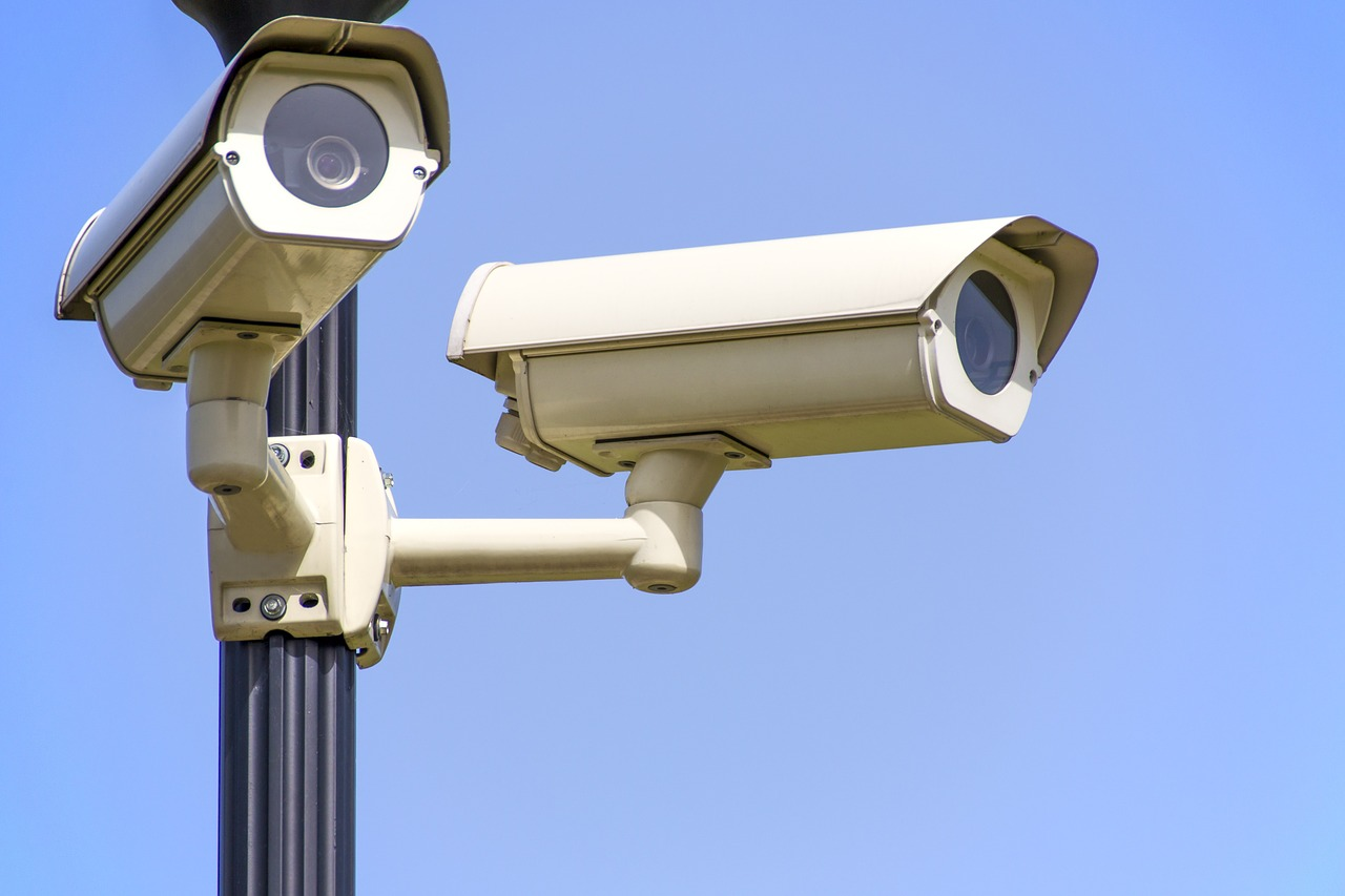 Telecamere finte da esterno: si possono installare o sono illegali?