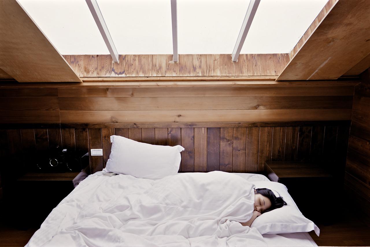 Come arredare il sottotetto e trasformarlo in un attico luminoso