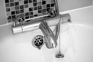 Vasca Da Bagno Opaca Rimedi : Come lucidare una vasca da bagno opaca o ingiallita?