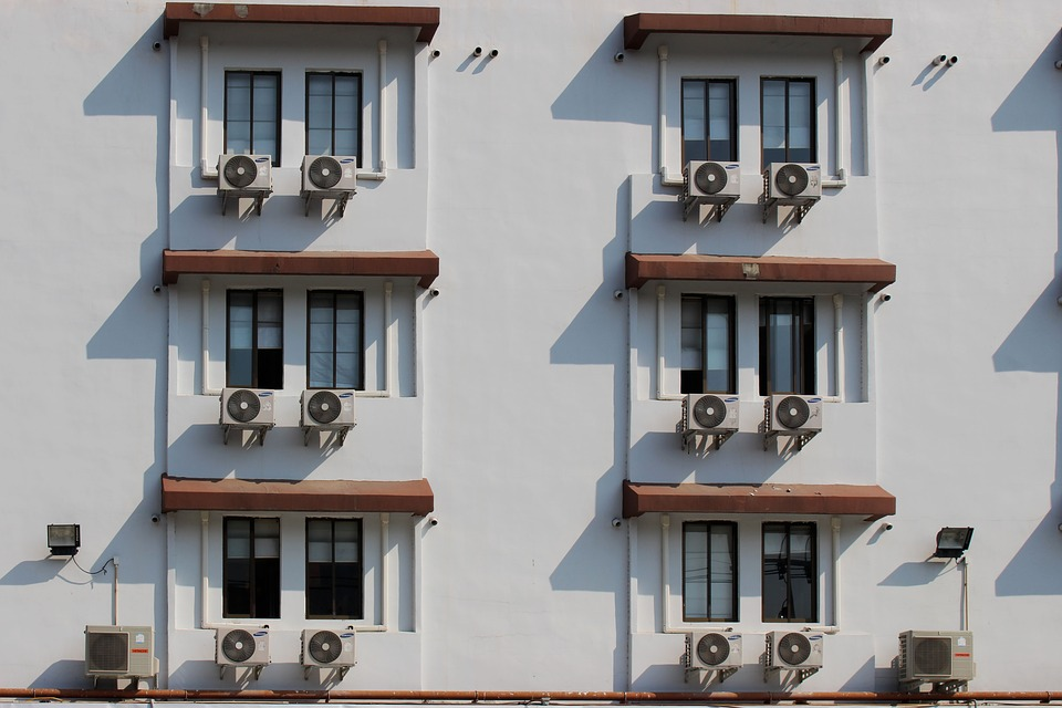 Copri condizionatori esterni: proteggere e camuffare